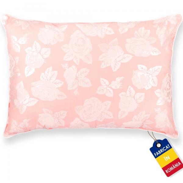 Perna Pernador cu puf si pana de gasca 80x100 cm roz cu trandafiri argintii