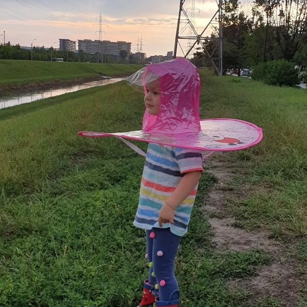 Pelerina ploaie marca UFO, marimea S, Roz